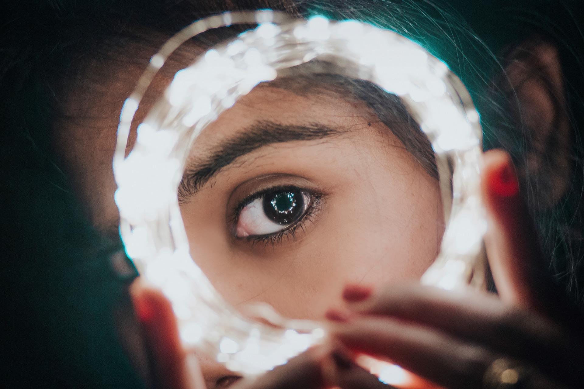 woman_eye.jpg